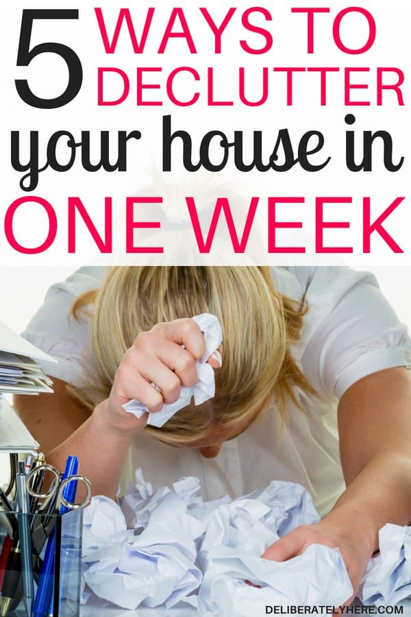 How to declutter your house in one week without going crazy. Get rid of clutter and create a clean, organzed, clutter free home in one week. How to declutter your house when you don't know where to start. The best decluttering tips.