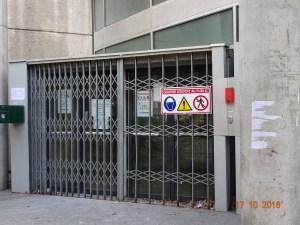 Diogène en banlieue: une chronique de Gilles Pétel. Chapitre 9: Couloirs