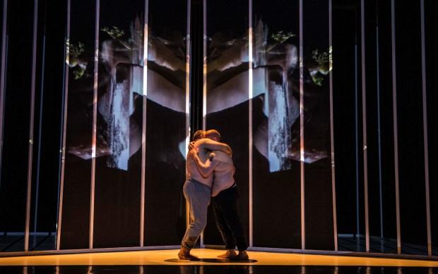 """Oona Doherty, """"Hard to be soft, a Belfast Prayer"""", Biennale de la danse de Lyon 2018 © Michel Cavalca"""