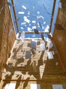 """Goutelas: """"Le Phare"""", d'Elia Monsonis et Chlothilde Buisson, abri du PEROU (Pôle d'exploration des ressources urbaines)"""