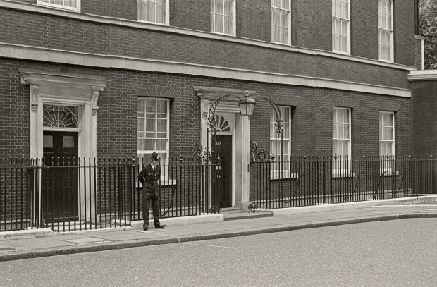 10 Downing Street, London 1976 - Photo Gilles Walusinski