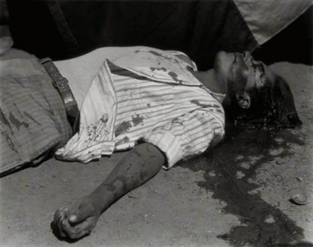 Ouvrier en grève, assasiné, 1934 © Archivo Manuel Álvarez Bravo, S.C.