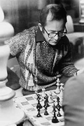 Rodolfo Walsh jugando ajedrez