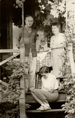Alfred et Marguerite Rosmer avec Janette Walusinski. Photo: Gilbert Walusinski.