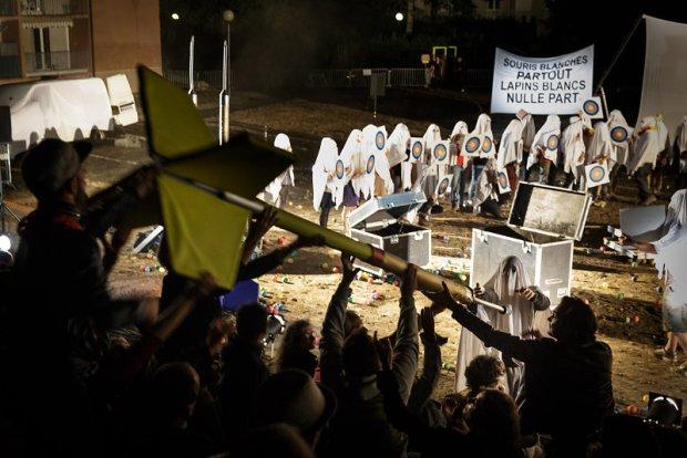Festival d'Aurillac - Association Roure, Zéro Avril @ Christophe Raynaud De Lage - une critique de René Solis dans délibéré