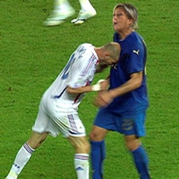Rodrigo García: Zidane vs Marine Le Pen (J'ai rêvé qu'Emmanuel Macron arrivait à l'Élysée armé d'un balai radioactif)