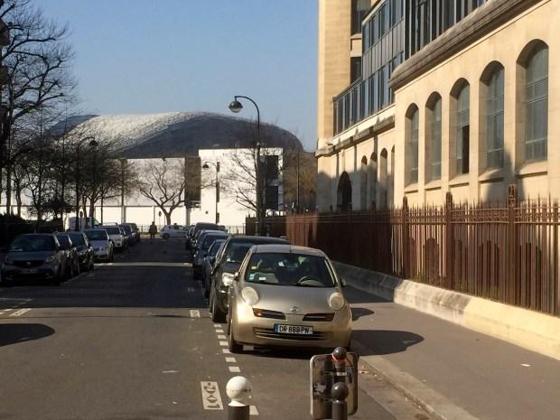 Au fond, le stade Jean-Bouin ©Gilles Walusinski