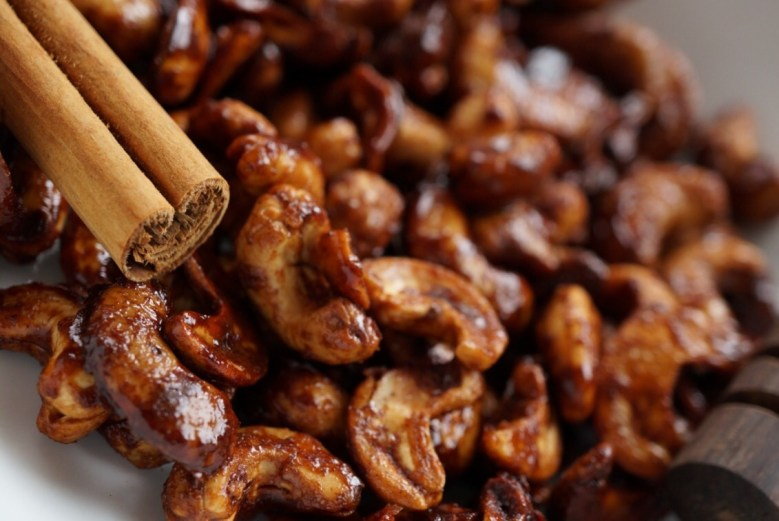 how to make cinnamon cashews