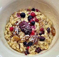 Cranberry Porridge with honey
