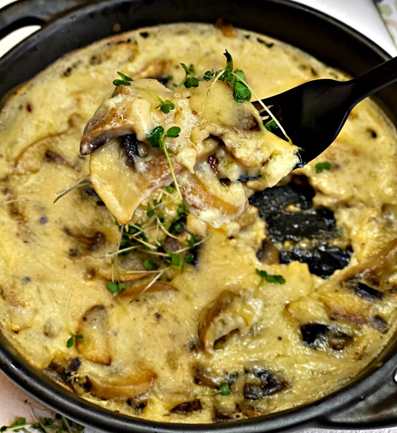 The best creamy mushroom gravy recipe in a skillet