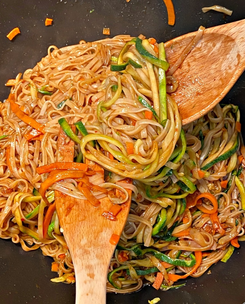 how to cook stir fry vegetables and noodles in wok