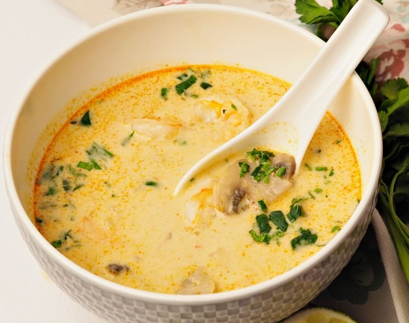 thai coconut soup with shrimps and mushrooms