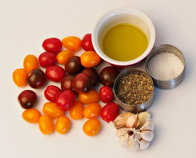 ingredients for marinated tomatoes