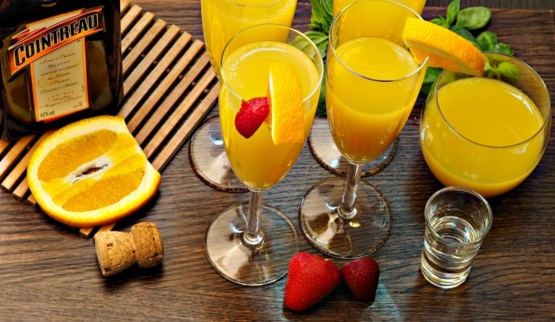 Classic & Sparkling Mimosa Drink