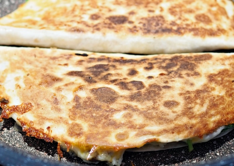 Cheesy Quesadillas with Spinach and Mushrooms