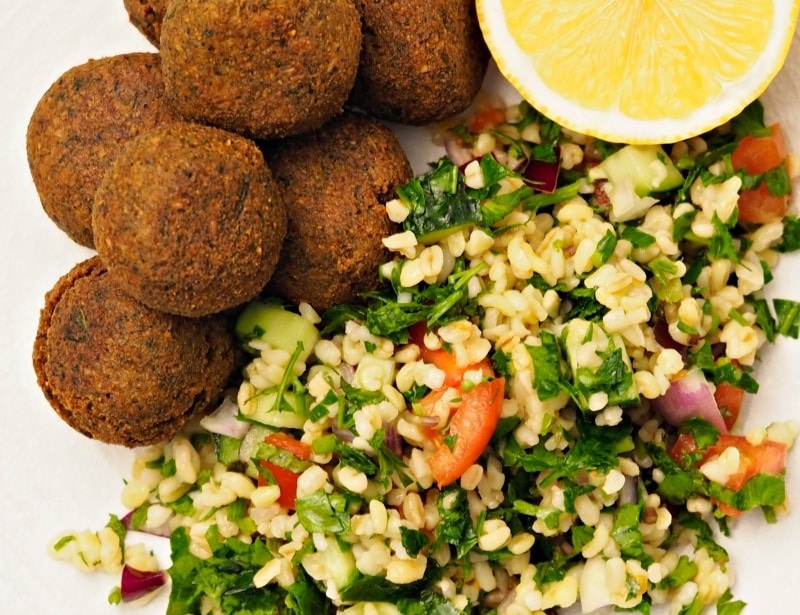 how to serve tabbouleh salad