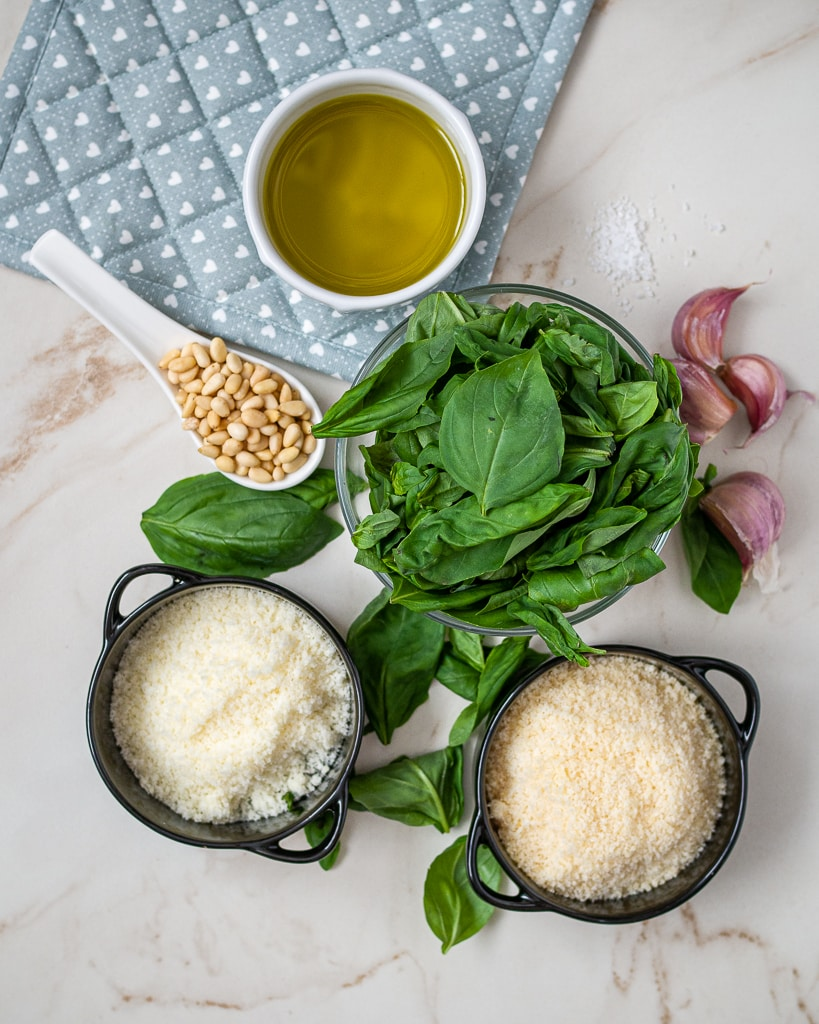Keto Pesto Sauce ingredients
