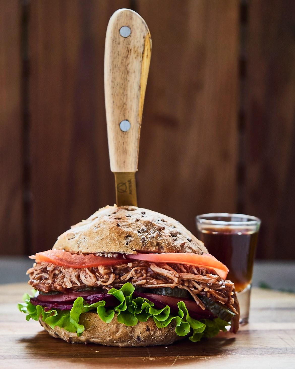 jack daniels pulled pork burger