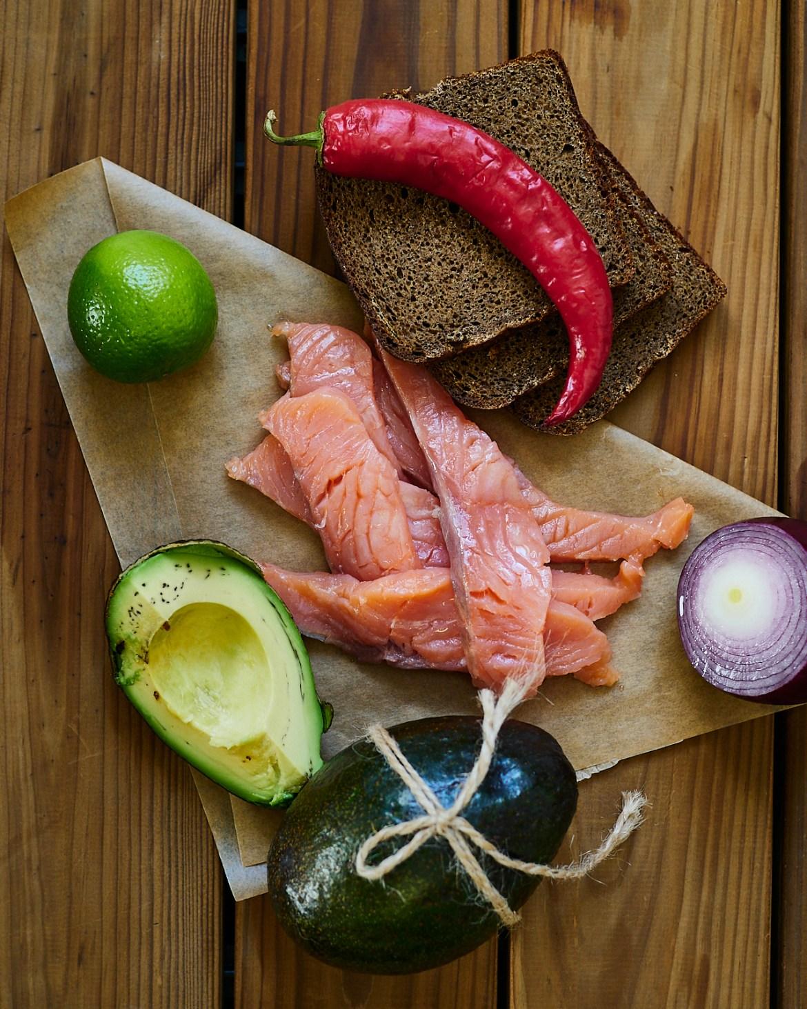 ingredinets for avocado salmon sandwich