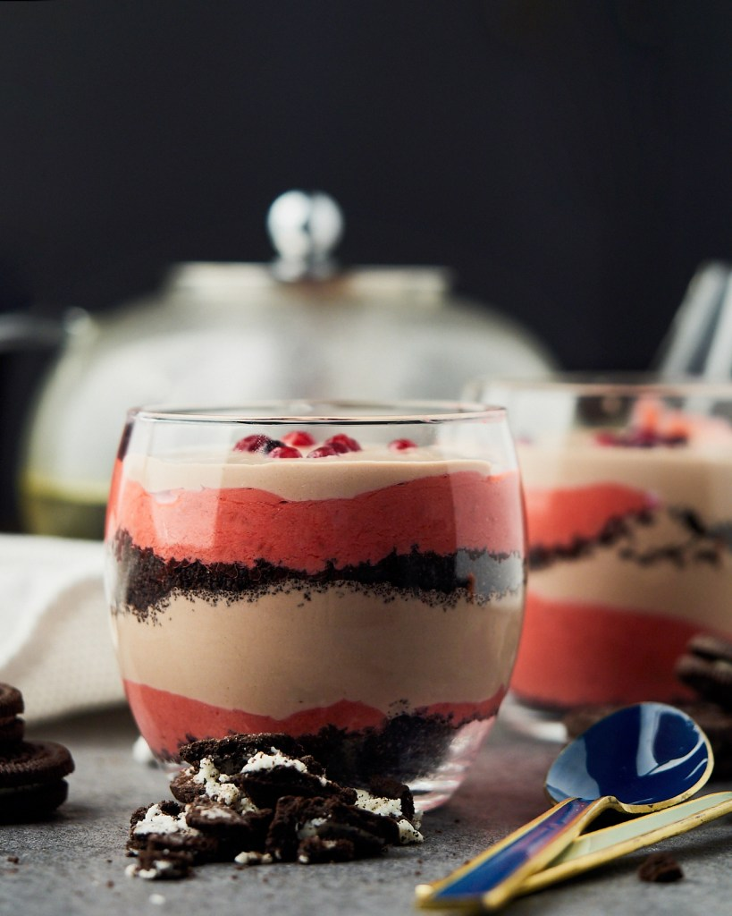 Raspberry Oreo No-bake dessert parfait