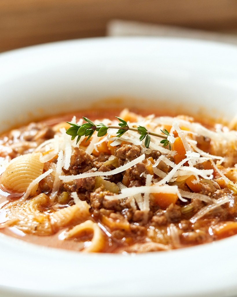 Bolognese Soup with Pasta Shells