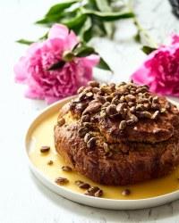 Pistachio poppy seed cake