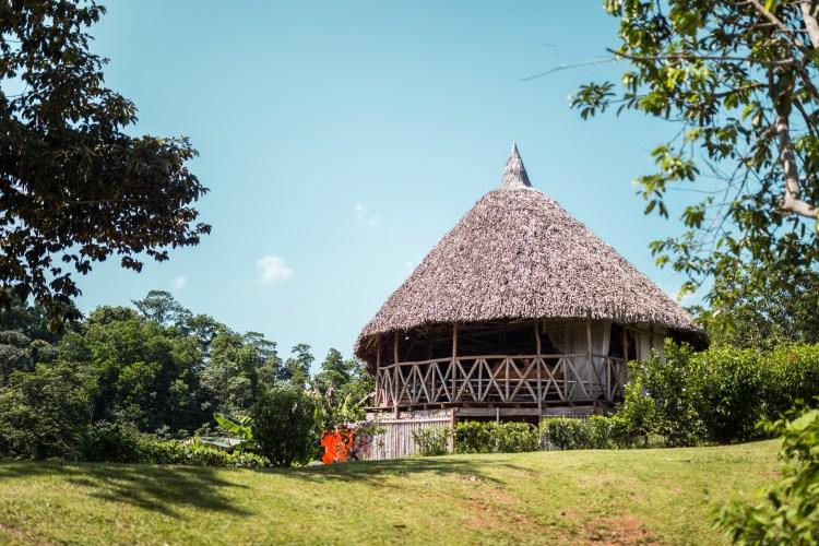 Exemplo de cabana para turistas que desejam se hospedar na tribo Embera.