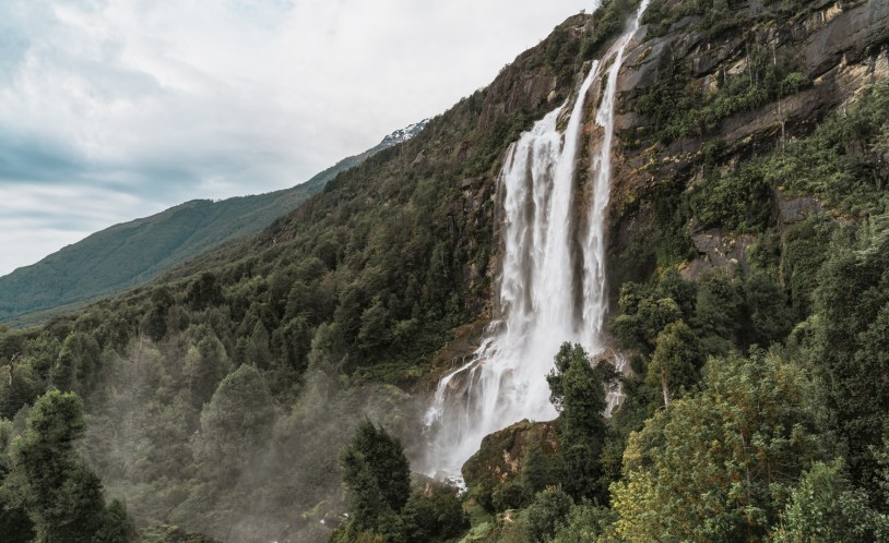 A região de Llanada Grande é repleta de cachoeiras e outros atrativos dentro das fazendas, onde praticamente não ha turistas