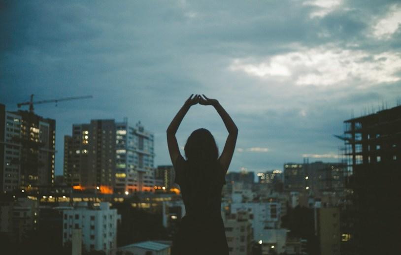 Dicas para acordar mais cedo: acreditar que é possível ser uma pessoa matinal