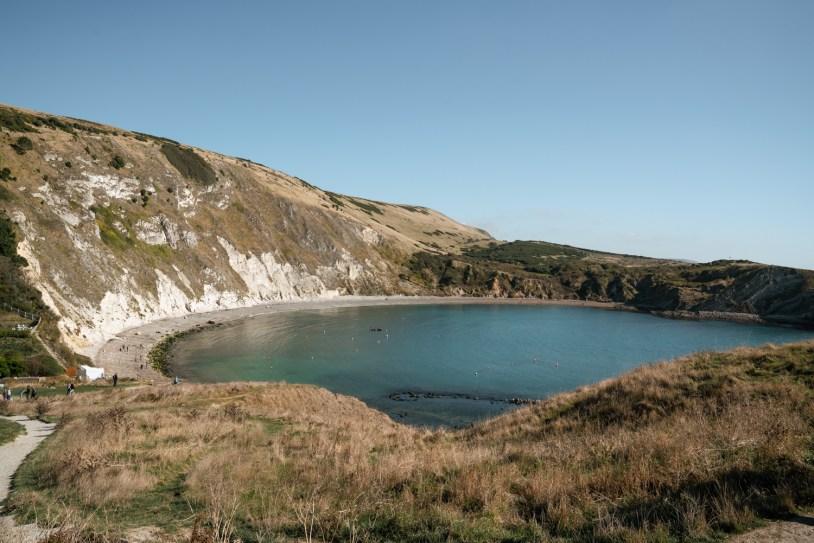 O que fazer em Dorset, na Inglaterra: a enseada de Lulworth Cove