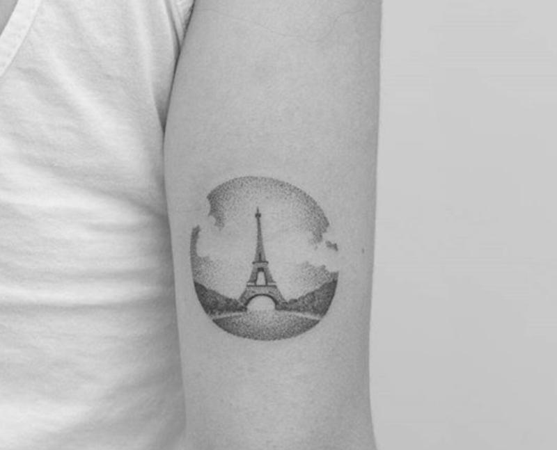 Tatuagens inspiradas em viagem: Torrei Eiffel em Paris. Por Delicia de Blog.