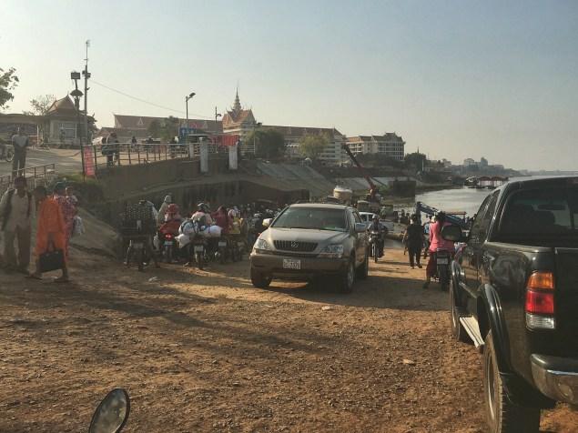 Phnom Penh Ferry Mekong Village - Delicieuse Vie