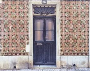 Azulejos Lisbonne - Doors Les céramique à Lisbonne par Délicieuse Vie