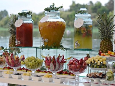 https://i0.wp.com/delicioasastudio.com/wp-content/uploads/Fruit-Lemonade-Bar-DSevents.jpeg?resize=400%2C300