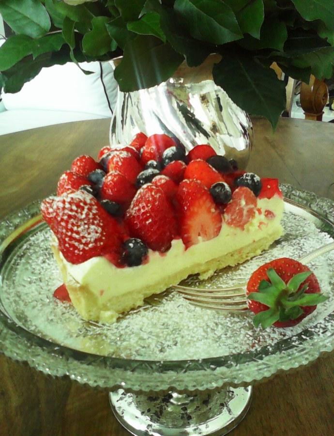 Erdbeer- Tarte mit weißer Schokomousse