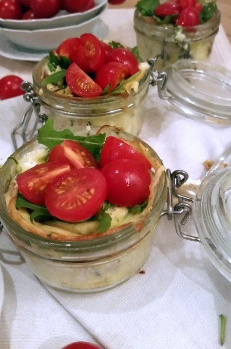 Zum Neujahrs- Frühstück ein Ei im Glas auf italienisch