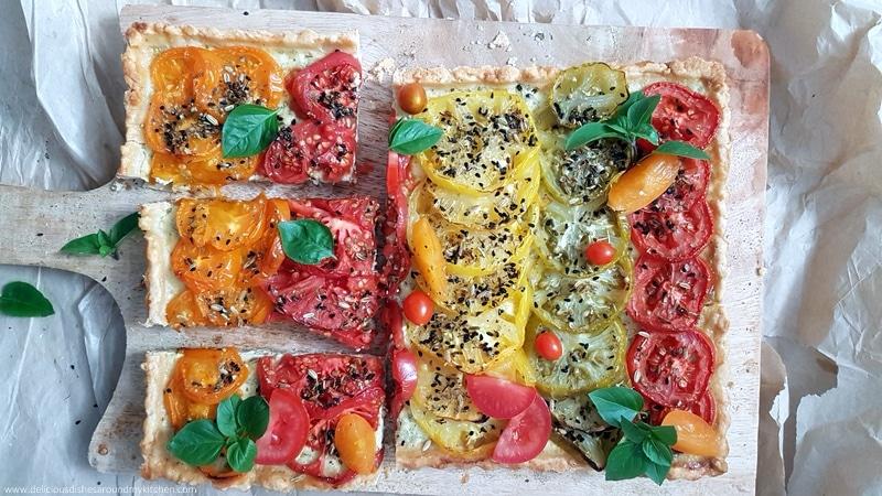 Basilikum- Tomaten- Käse-Tarte