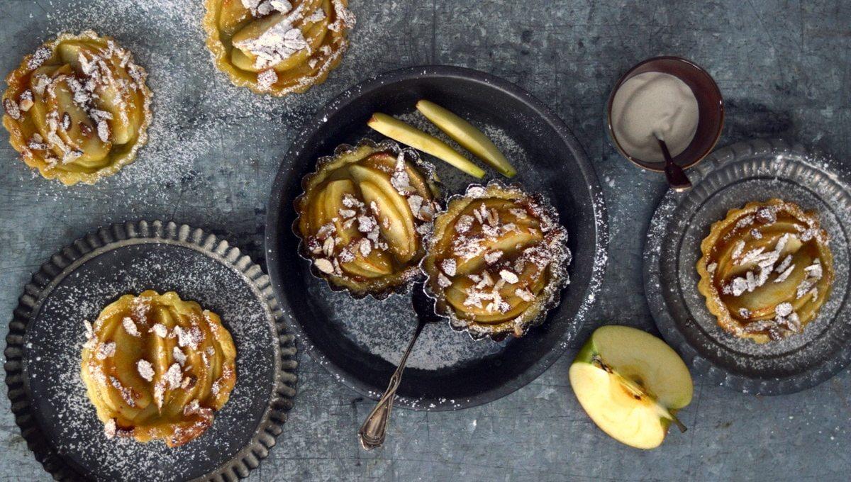 Schnelle Apfel- Tartelettes mit Zimtschmand