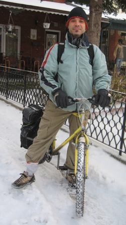 de-joe-winter-bike.jpg