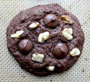Gluten Free Walnut Chocolate Chip Cookies