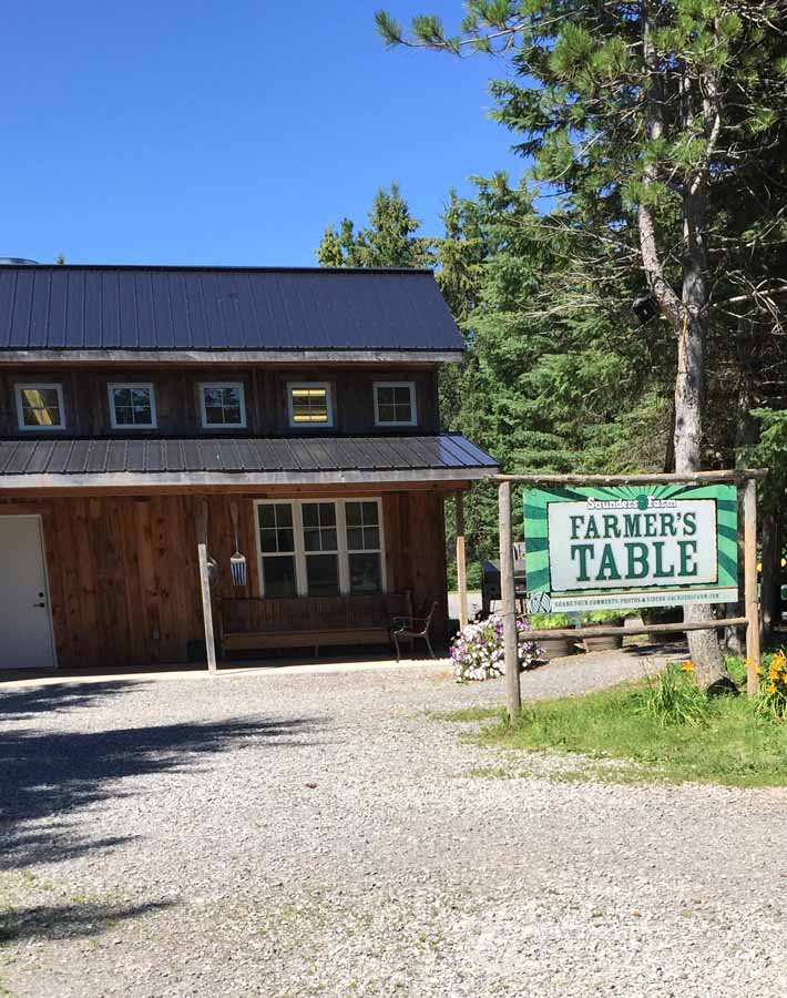 Picture of the Farmer's Table restaurant and sign at Saunders Farm