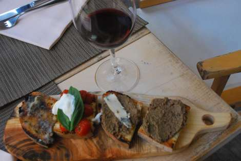 Florence typical food: crostini con fegatini