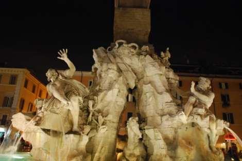 Visit Rome_Rome_night_Piazza Navona_ Fontana dei quattro fiumi_01
