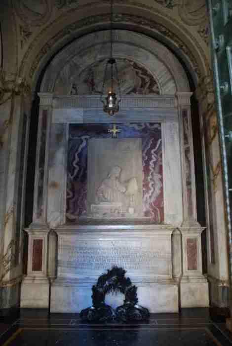 Visit Ravenna_Dante's Tomb 2