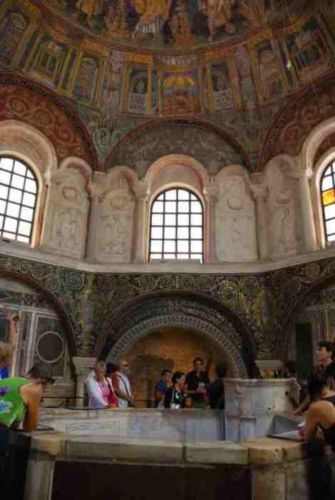 Visit Ravenna_Neonian Baptistery4