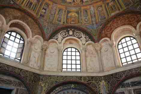 Visit Ravenna_Neonian Baptistery5