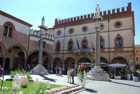 Visit Ravenna_Piazza del Popolo 1