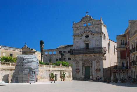 Siracusa_cathedral square 2