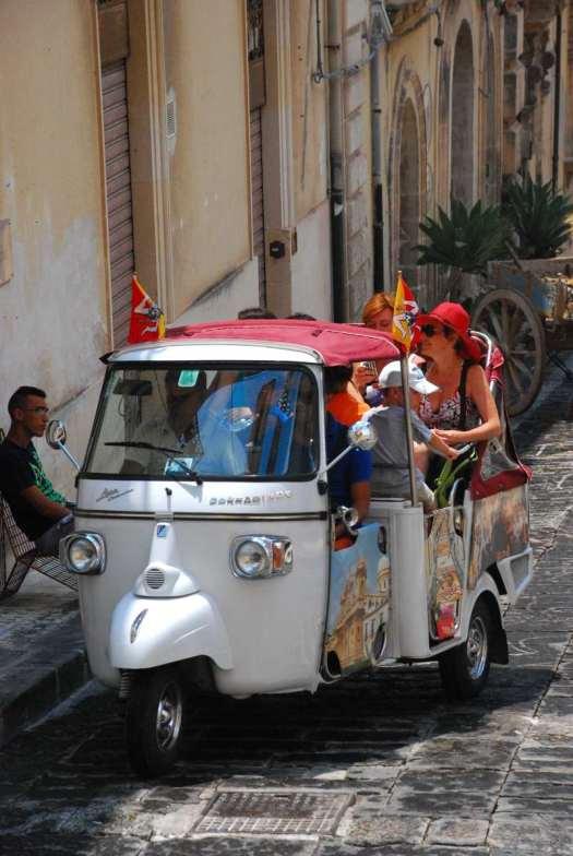 Noto Sicily_tourist public transport