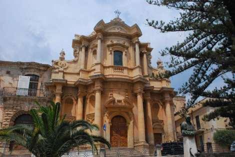 Visit Italy_Noto_Chiesa